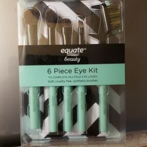 Equate Beauty 6pc Eye kit with travel bag.